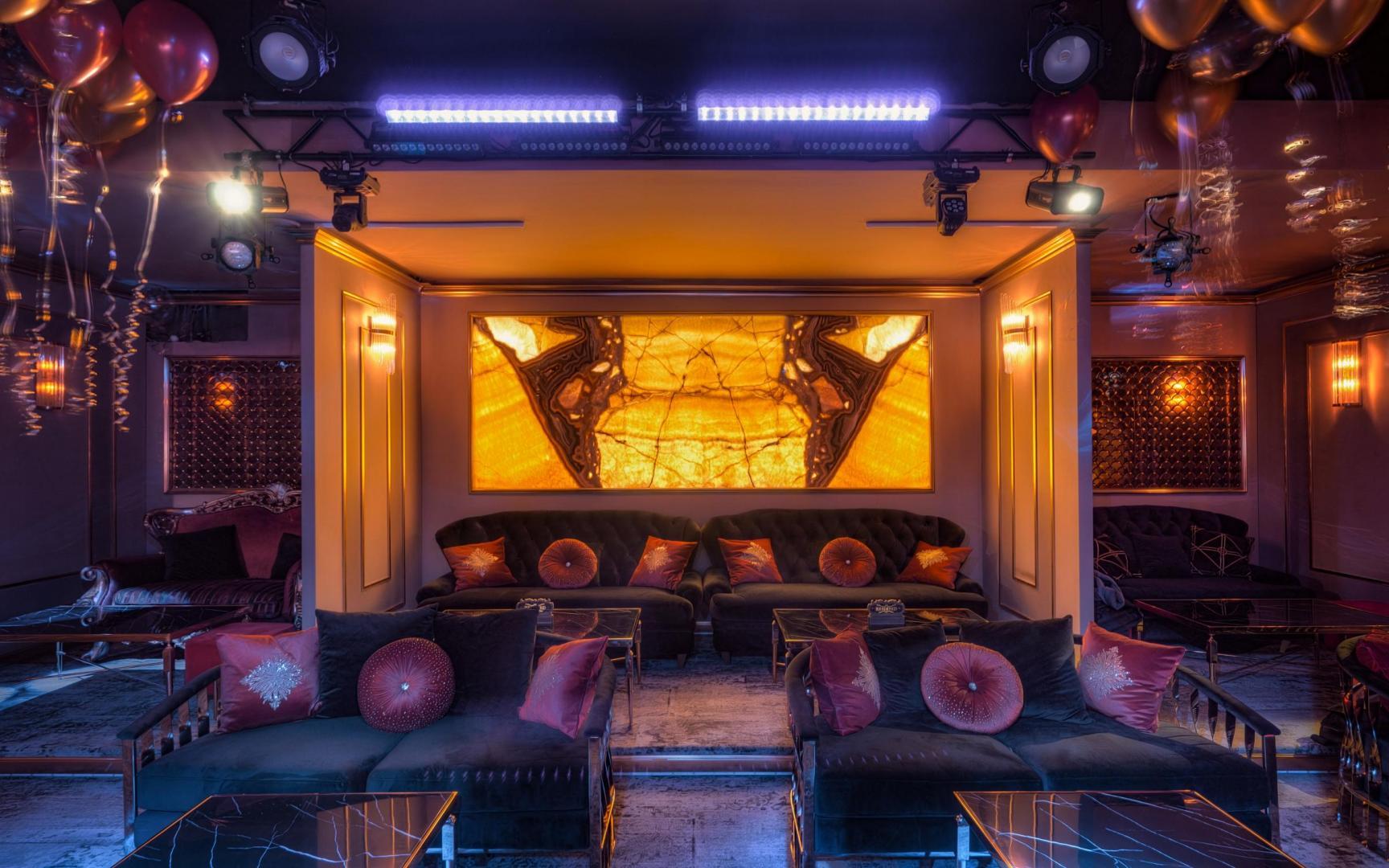Cabaret club strip club — photo 8