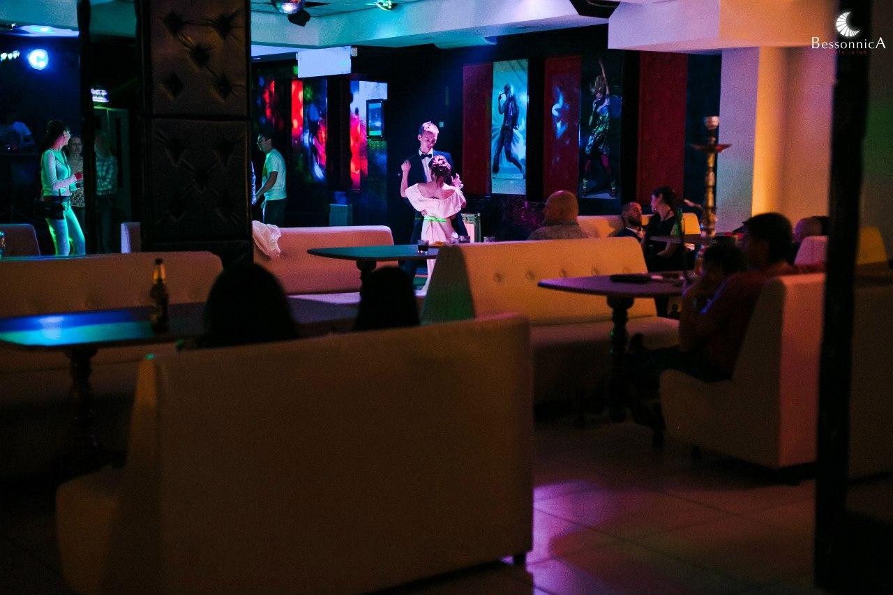 Ночной клуб в спб ежедневной оплатой лучшие мужские клубы
