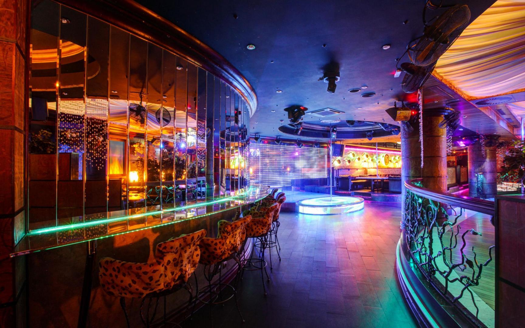 Стриптиз клуб эгоист в москве ответственность ночного клуба